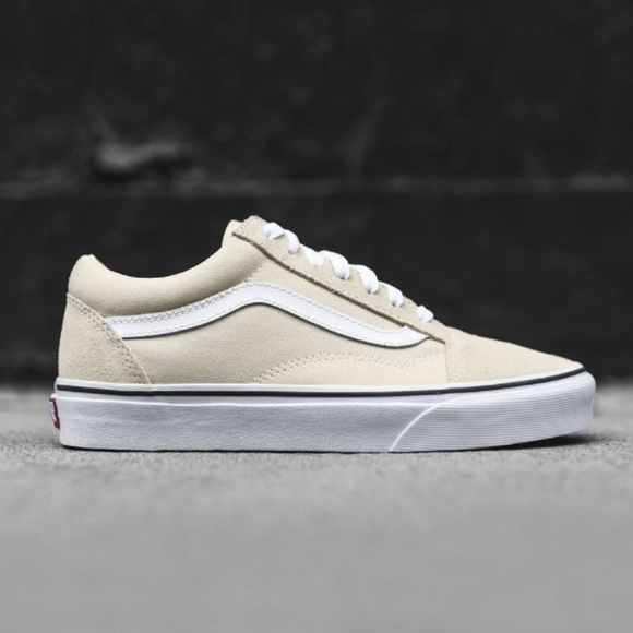 5ab58d6bd9e634 Vans Old Skool Birch and True White 8.5